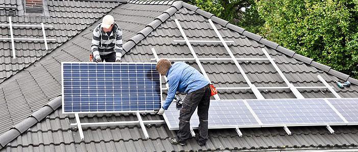 Prix des panneaux sur la piscine ou sur le bateau - efficacité des collecteurs solaires